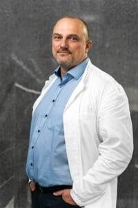 Doc. Dr. Leon Meglič, dr. med. Specialist ginekologije in porodništva
